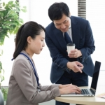 経費削減と社員の動揺と士気の低下